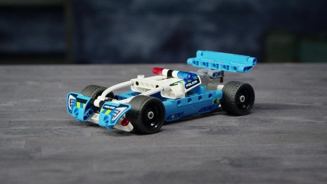 LEGO Technic - Polizei-Verfolgungsjagd 42091 Video 7