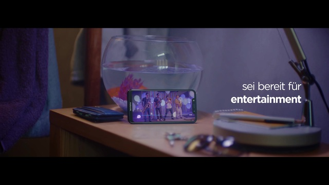Motorola - One (Smartphone) Video 3