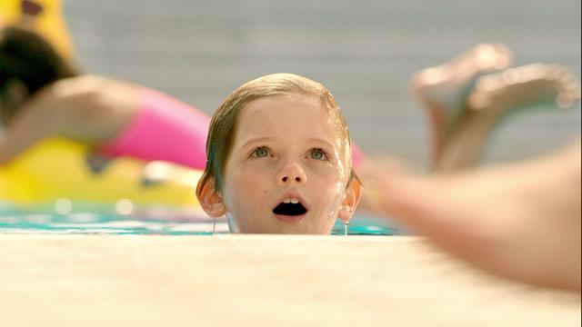 Splash guard Swimming Pool Format 16:9, 35 sec, int Video 17